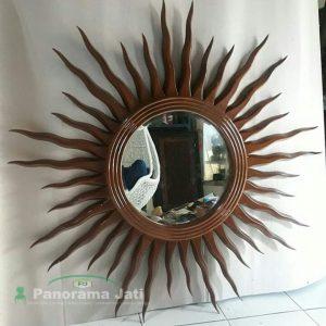 Cermin Matahari Kayu Jati